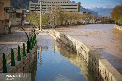 طرح دفع آبهای سطحی خرم آباد ۳۰۰ میلیارد تومان هزینه دارد