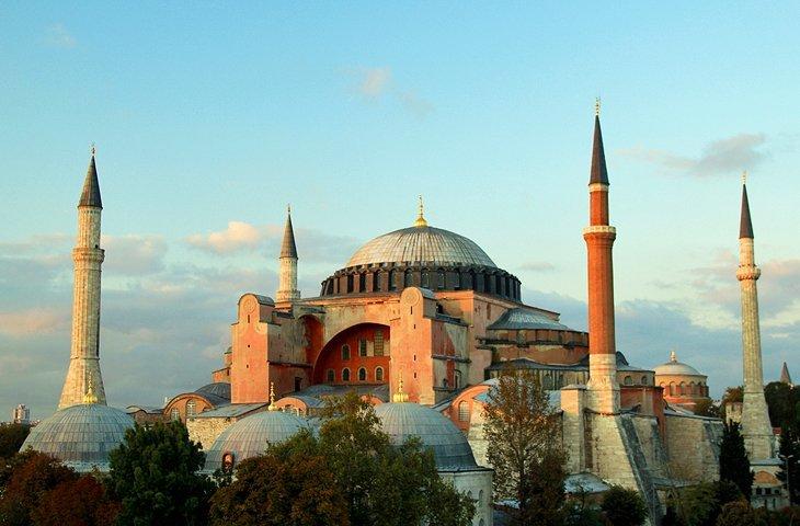 ناپدید شدن علائم معماری قرن بیستم استانبول