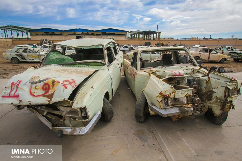 بلاتکلیفی ۸۰ هزار خودرو از رده خارج شده