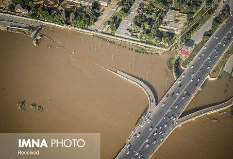 گلابی: هیچ یک از مناطق اهواز زیر آب نرفته است/ فعالیت دو شیفته نیروهای شهرداری اصفهان
