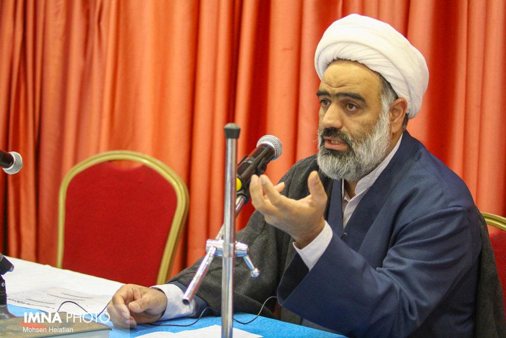 جنبه جمهوریت را بیش از اسلامیت اجرا کردهایم/ تمام قوانین کشور باید از قرآن استخراج شود