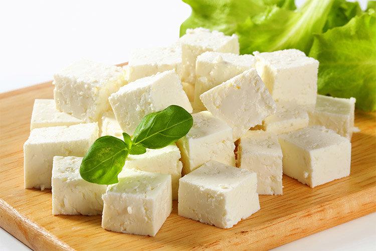 خوردن پنیر با این دو ماده غذایی ممنوع