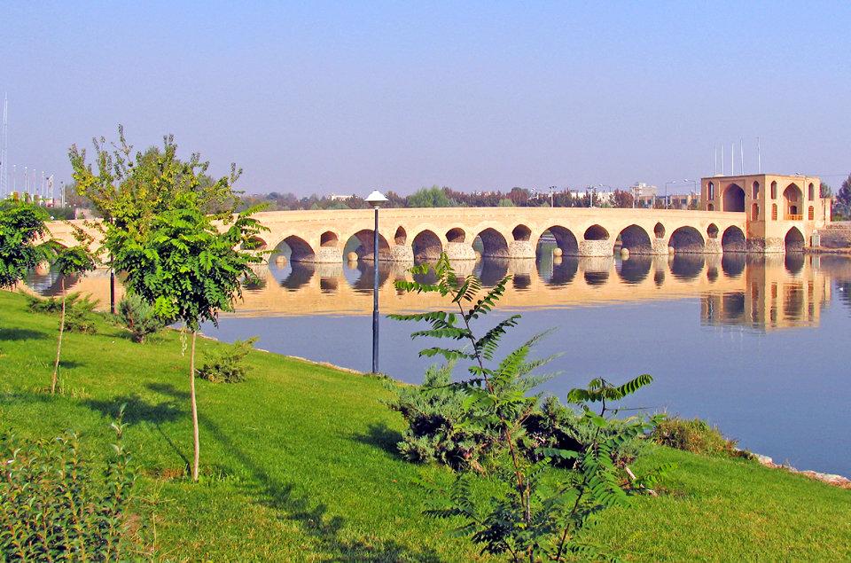بازآفرینی محل سابق نمایشگاههای اصفهان، نیازمند شناخت چند وجه