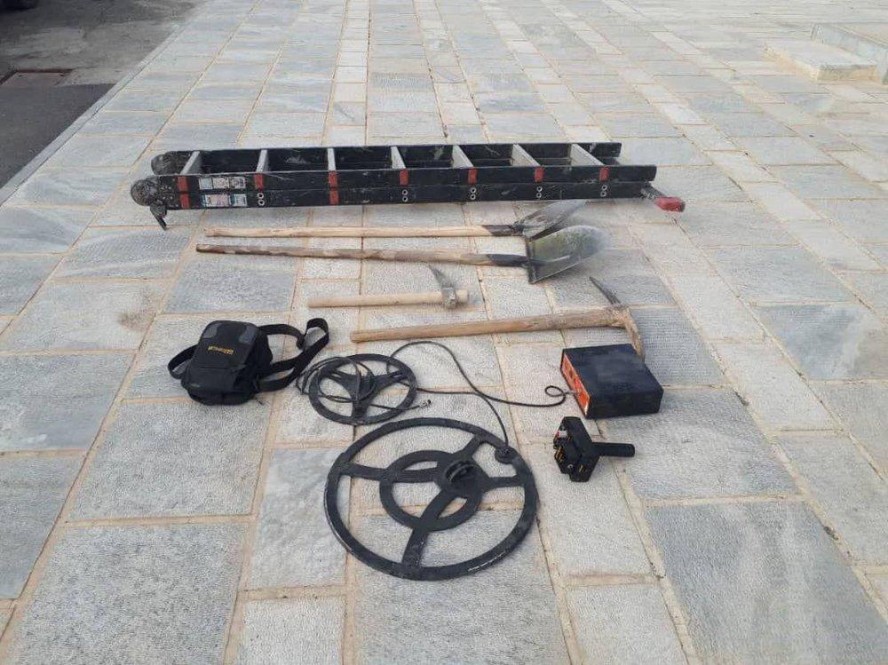 دستگیری یک گروه حفاری غیر مجاز در گلپایگان
