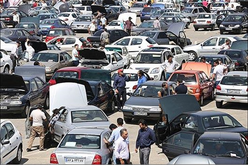 کاهش قیمت برخی از خودروها در بازار +جدول