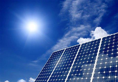 احداث نیروگاه خورشیدی ساختمان منطقه هشت شهرداری