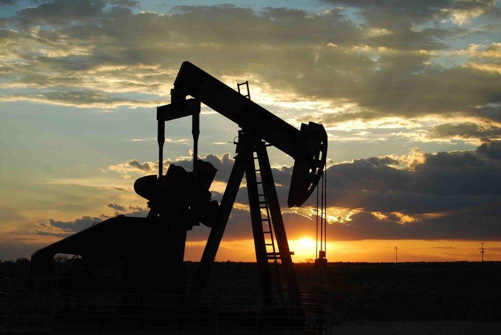 افت قیمت نفت در هفته آغازین سال ۹۹ و پیشبینی کاهش بیشتر!