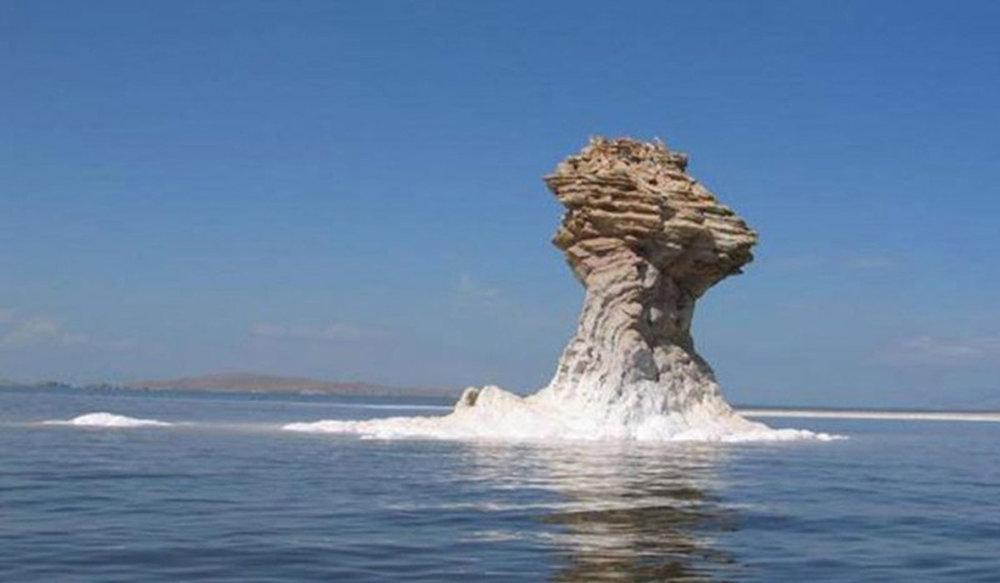 احیای دریاچه ارومیه افتخار دولت است