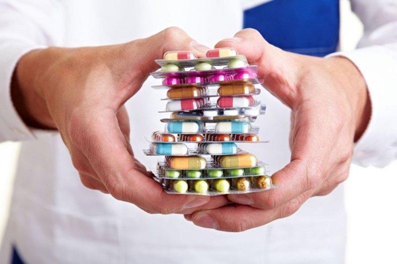 کمبود دارو در اصفهان از ۷۵ قلم به ۲۰ قلم رسیده است