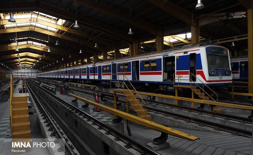 قطارهای مترو در همین دولت تامین شود