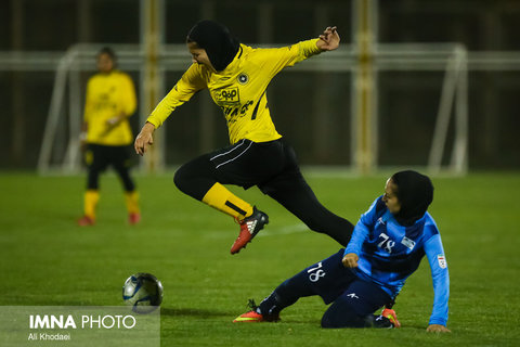 قشقایی شیراز از بازی در هفته پنجم انصراف داد/ سپاهان به دنبال محکم کردن جای خود در جدول