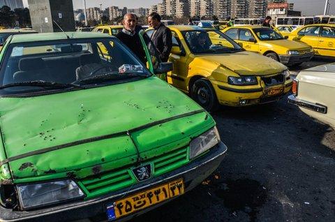 بلاتکلیفی ۲۴۰ دستگاه تاکسیهای فرسوده در کرمانشاه