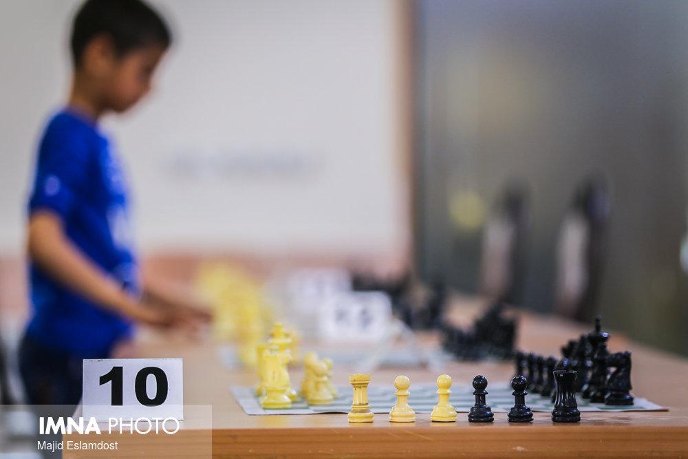 دومینو خروج ستارههای شطرنجی کشور؛ علت چیست؟