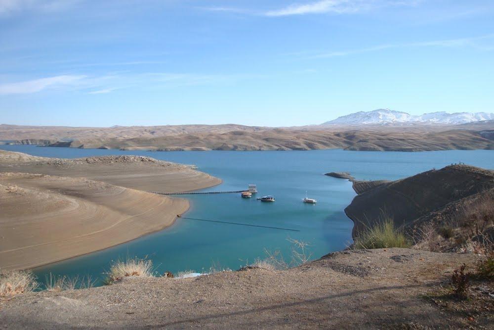 تداوم سرریز شدن ۳ سد در اصفهان