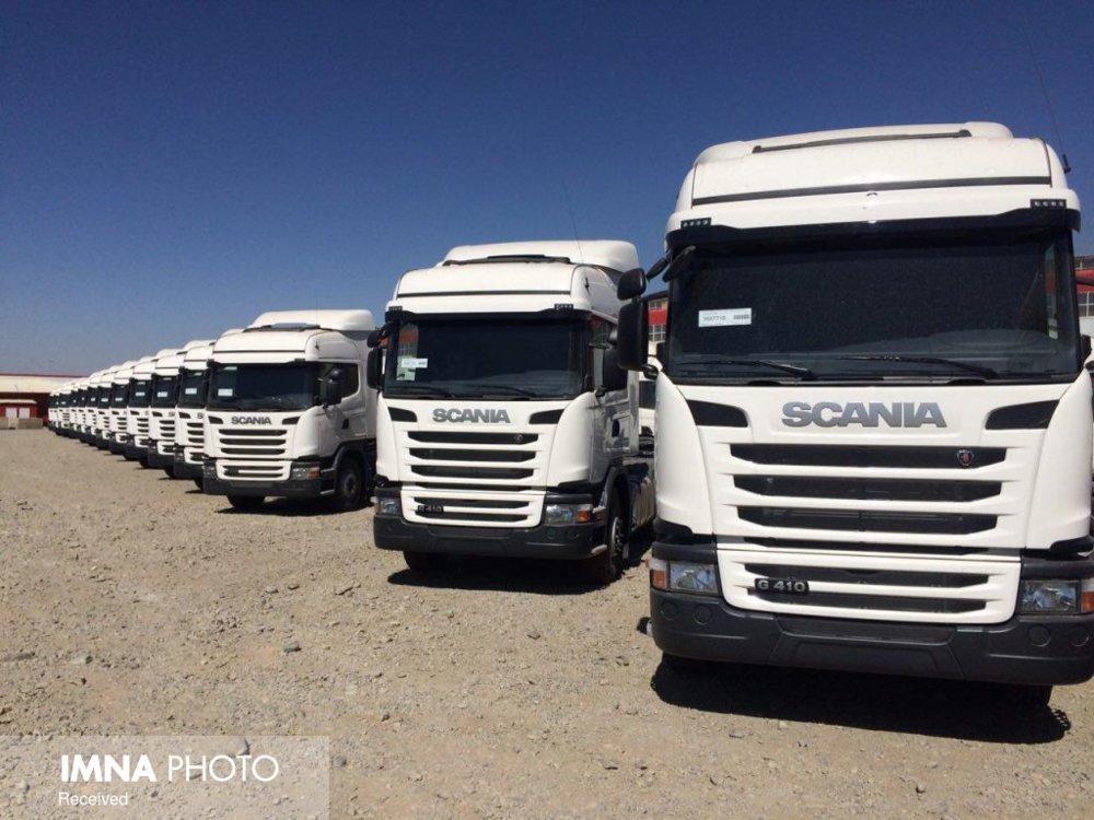 ۲۰۰ نفتکش اصفهانی در مرز میرجاوه معطل مانده است