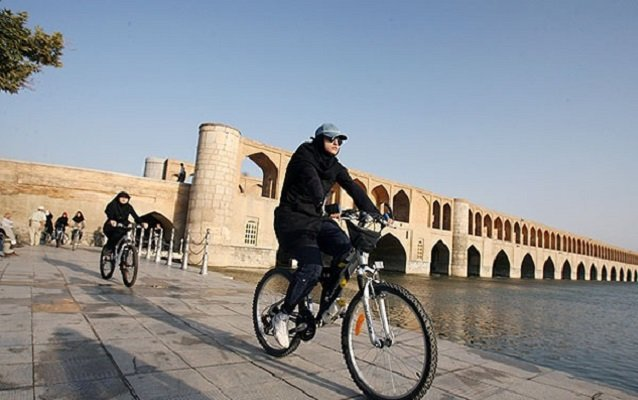 عراق اسپانسر تیم ملی دوچرخهسواری زنان ایران شد