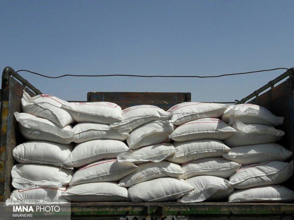 ۲۵ تن شکر احتکار شده در انبار یک واحد مسکونی