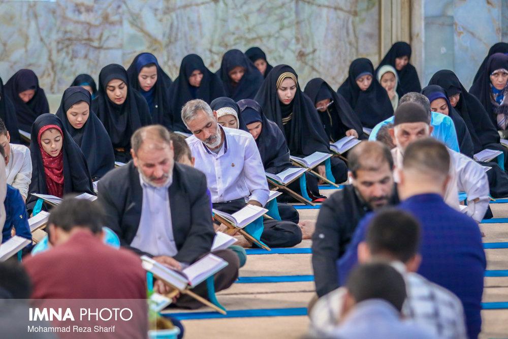 ۴۳۰ نفر در فینال چهل و دومین مسابقات ملی قرآن رقابت میکنند