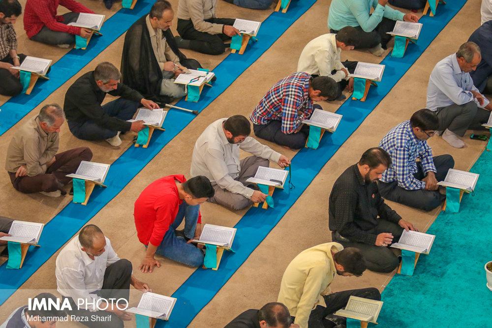 مرحله استانی مسابقات قرآن در برخوار آغاز شد