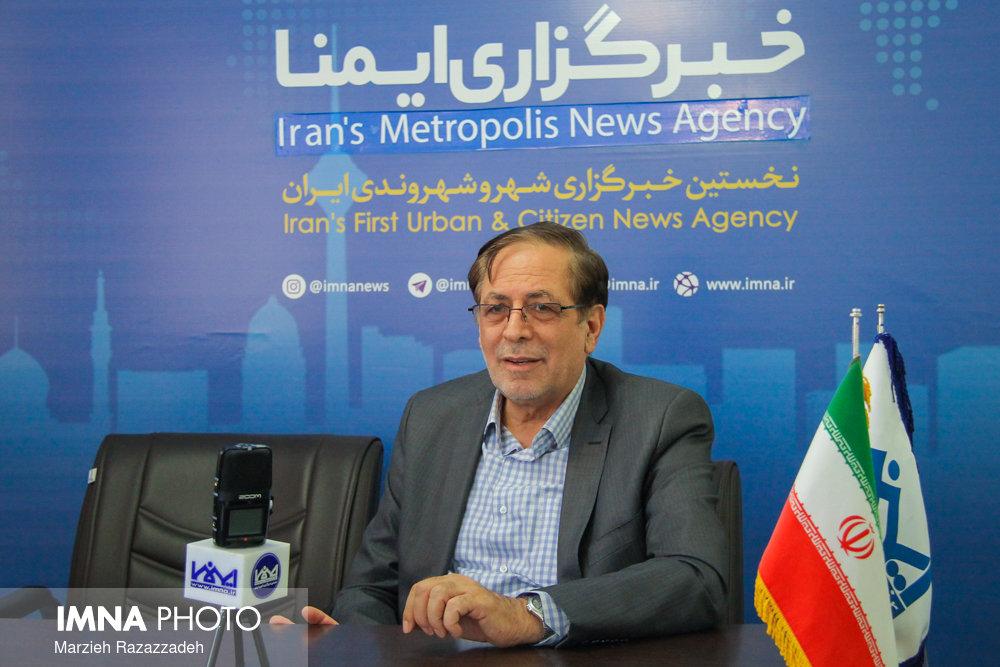 عابدی: رفع مشکلات اصفهان نیازمند تعامل نمایندگان با دولت است