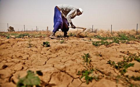 سوء استفاده برخی کشاورزان از روان آبهای رودخانه خشک