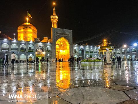 بارش باران در حرم مطهر امام رضا (ع)