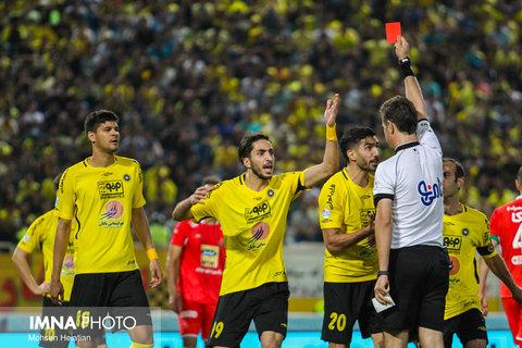 نگاه رنگی روی قاب سفید فوتبال ایران