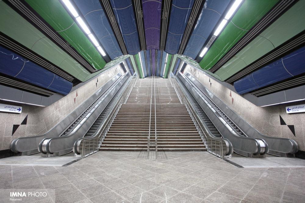 نصب پله برقی های ایرانی در مترو