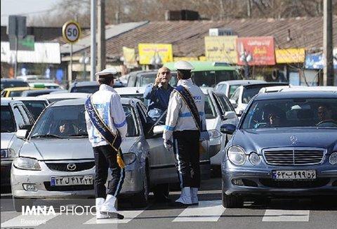 جریمه ۱۱۰ خودرو در محورهای شمال کشور/ ۱۴۰۰ خودرو بازگردانده شدند