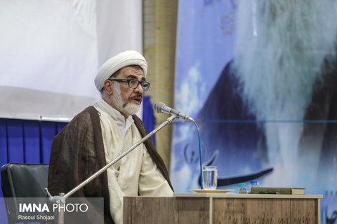 فاضل میبدی: عالمان دینی سکوت نکنند و بیتفاوت نباشند