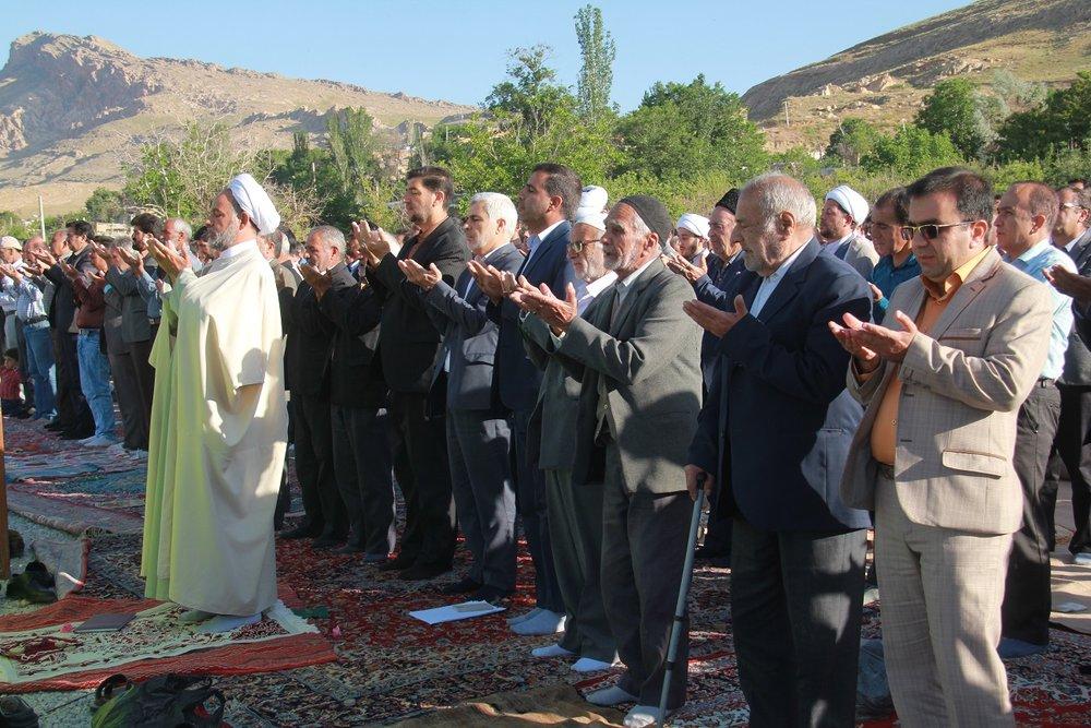 نماز عید فطر در سمیرم+ تصاویر