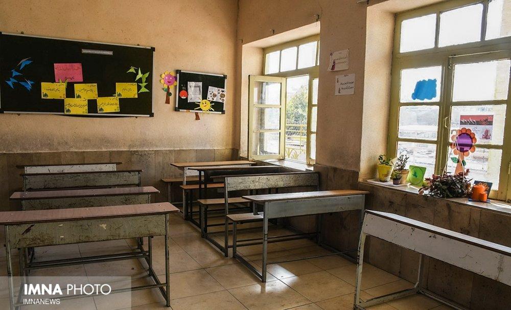 ۲۳ هزار کلاس درس با بخاری گرم میشود / مدارس کپری میماند