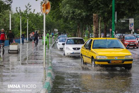 حجم بارندگیهای کشور به ۱۰ میلیمتر رسید