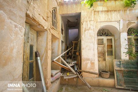 مالکان خانههای تاریخی تهدید به خودسوزی میکنند
