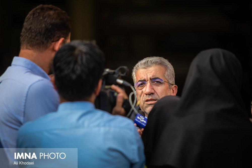 احیای گاوخونی مطالبه ملی است/احیای زاینده رود در دستور کار دولت
