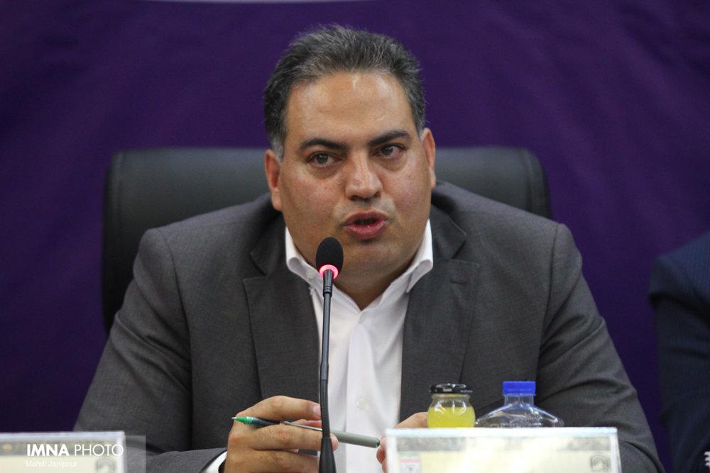 مدیرکل فعلی یا جدید در کنار فوتبال اصفهان باشد/ یک ساختمان اداری در شان هیئت فوتبال نداریم