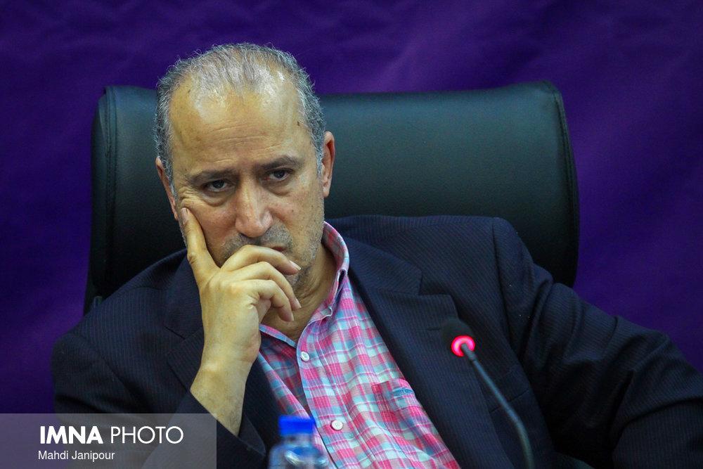 تاج فوتبال ایران روی تخت بیمارستان + عکس