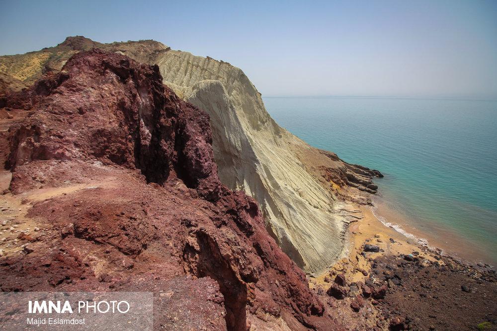 Land of Wonders in Persian Gulf