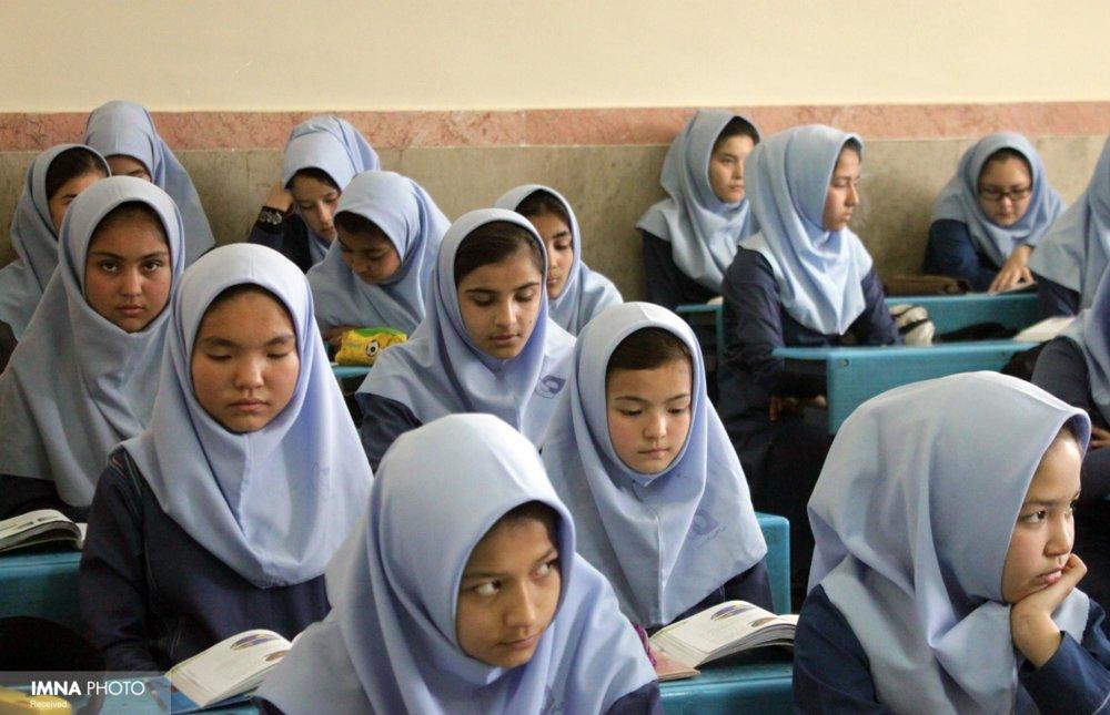 بهره مندی دانش آموزان اتباع خارجی از شبکه آموزشی دانش آموز (شاد)
