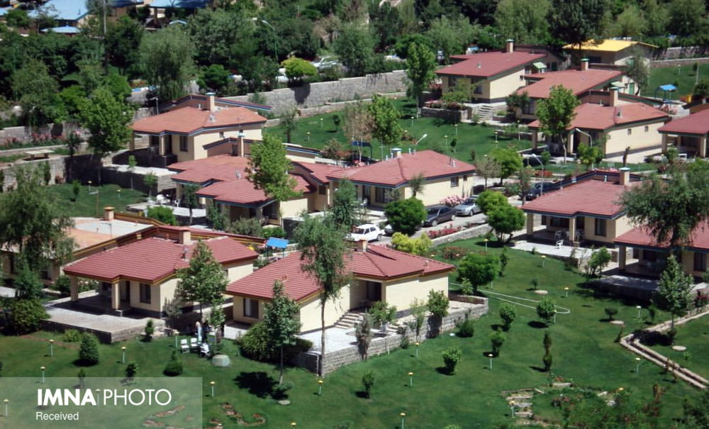 دهکده زایندهرود ۷ ماه سال خالی از سکنه است