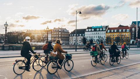 دوچرخههای اشتراکی؛ آینده حمل و نقل شهری