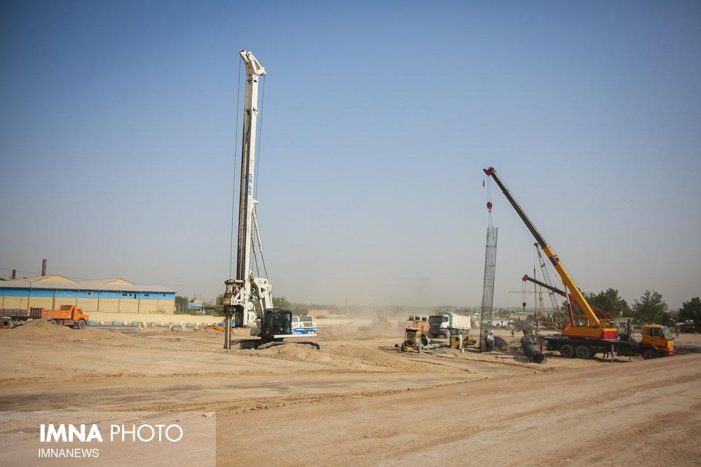 آزادسازی ۲۶۰۰ مترمربع از مسیر پروژه حلقه حفاظتی اصفهان در منطقه ۱۵