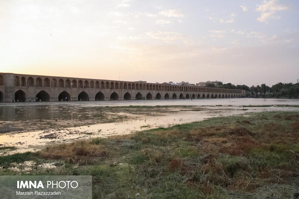 کاهش بارندگی پاییز ۹۹ خشکسالی هیدرولوژیک اصفهان را تشدید میکند
