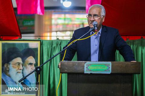سالهاست مردم شرق اصفهان مظلوم واقع شدهاند/آب را برای تالاب گاوخونی میخواهیم