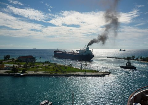 آغاز فعالیت صنعت کشتیرانی در یونان