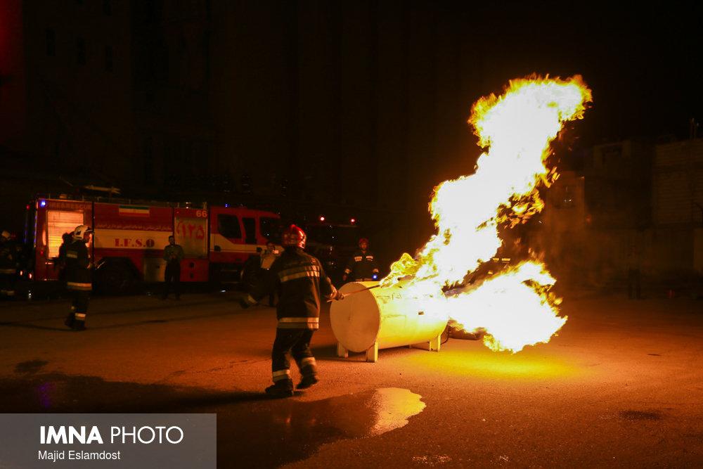 انجام ۱۸۰۰ عملیات آتشنشانی در فردیس