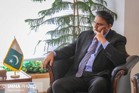 حسین فواد وزیر علوم و تحقیقات پاکستان