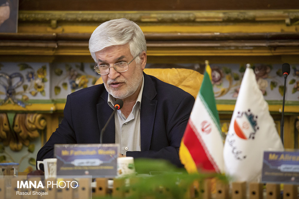 علت قطعی و افت فشار آب در اصفهان