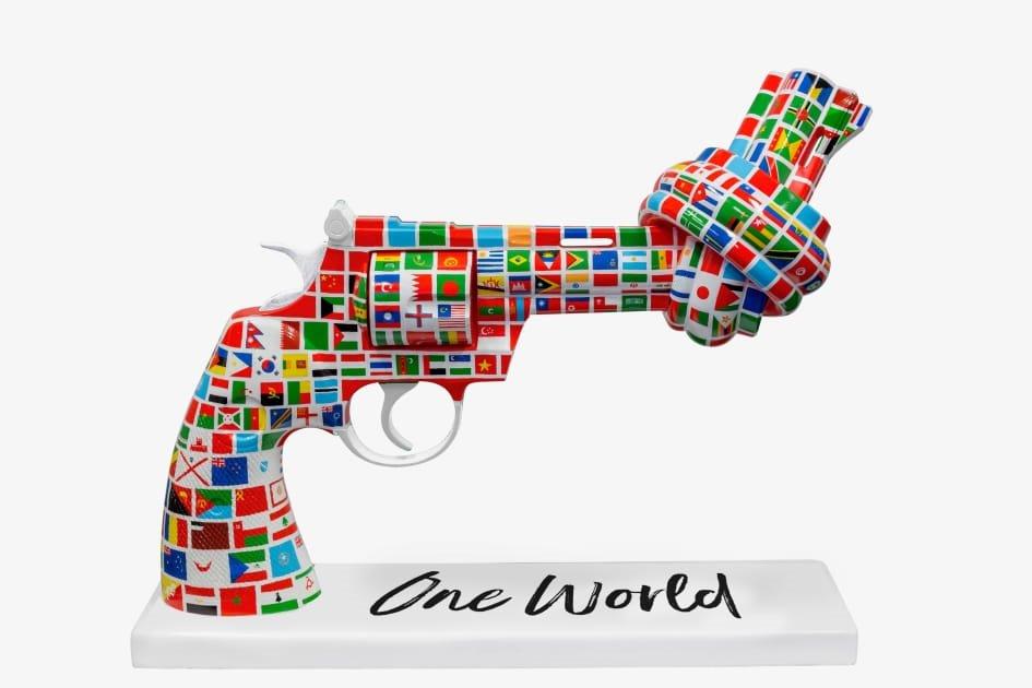 """""""صلح و امید"""" در خیابانهای جهان"""
