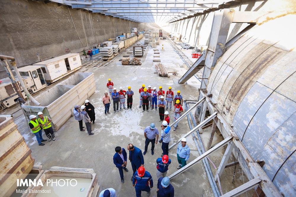 تامین اعتبار قطار شهری با اختصاص بخشی از عوارض ساختمانی